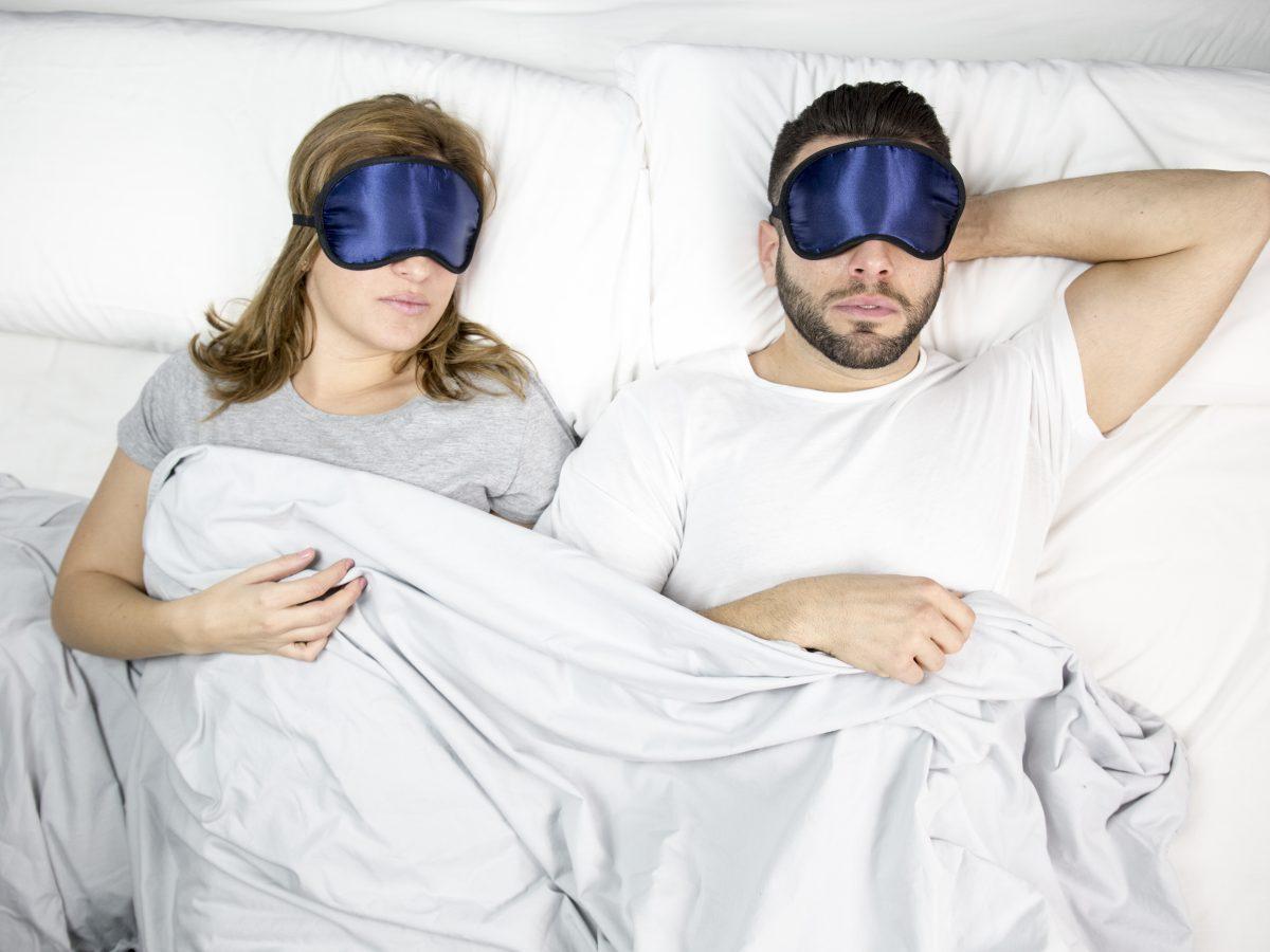 Dormir con antifaces